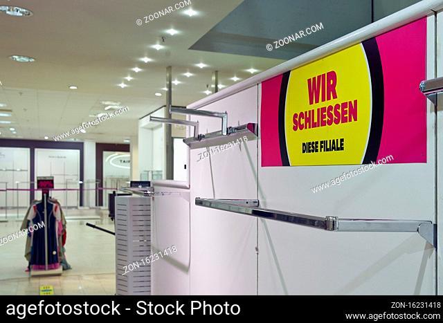 Ausverkauf Galeria Kaufhof, Geschaeftschliessung, Insolvenzplan Galeria Karstadt Kaufhof, Witten, Nordrhein-Westfalen, Deutschland, Europa