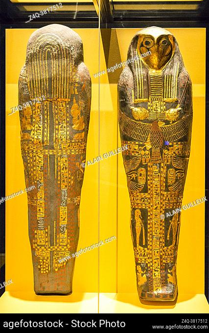 Egypt, Cairo, Egyptian Museum, cartonnage coffin with hawk head, found in the royal necropolis of Tanis, burial of the king Sheshonq 2