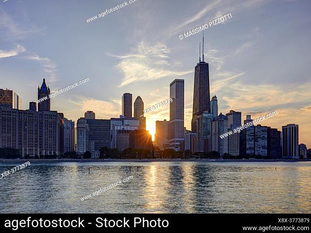 Chicago Skyline at sunset, Chicago, Illinois, United States