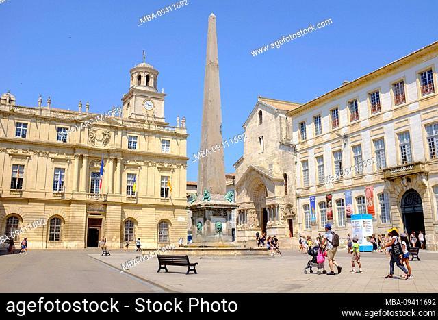 """Place de la Republique: H""""tel de Ville, obelisk on fountain, portal of St. Trophime, Arles, France"""