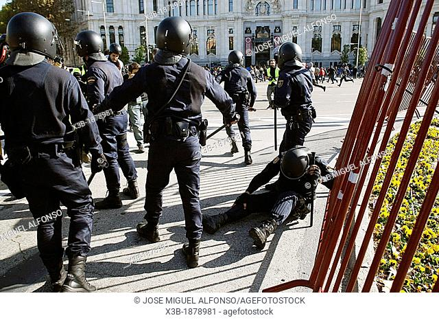 Police injured in riots during the general strike on November 12, 2012 in Madrid, Spain