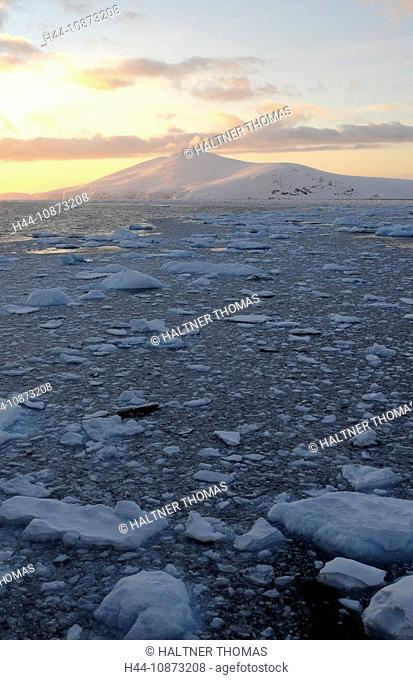 Antarctica,Antarctic,Antarctica,Lemaire channel,Lemaire,canal,channel,ice,drift ice