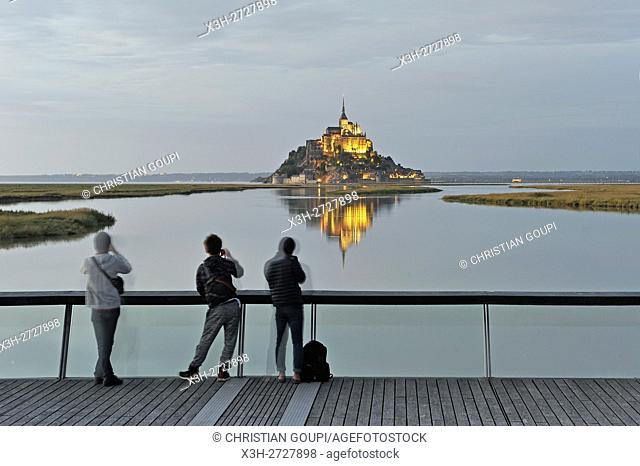 Mont-Saint-Michel in the mouth of the Couesnon river seen from the footbridge on the dam, Manche department, Normandy region, France, Europe