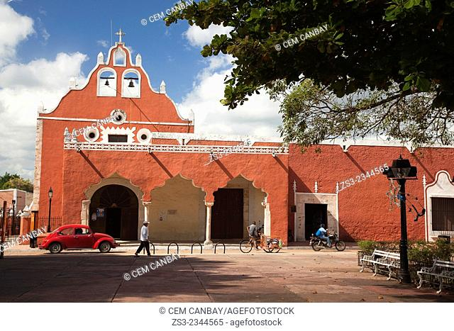 Candelaria Church, building once functioned as a Franciscan Monastery, Valladolid, Yucatan Province, Mexico, Central America