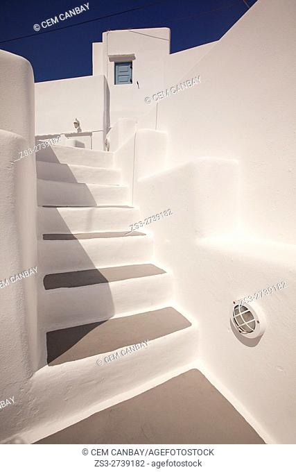 Stairs leading to a traditional whitewashed Cyclades house in the village of Castro or Castle, Sikinos, Cyclades Islands, Greek Islands, Greece, Europe