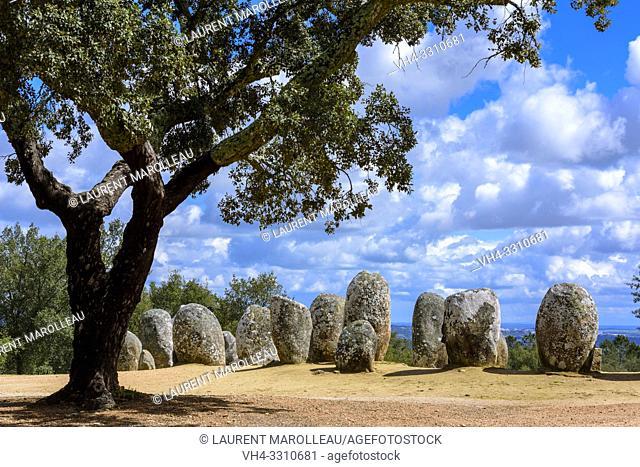 Almendres Cromlech (Cromeleque dos Almendres), Nossa Senhora de Guadalupe, Evora Municipality, Alentejo Region, Portugal, Europe
