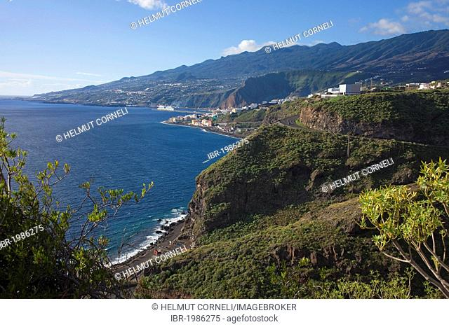 View from the coastal road onto the harbour of Santa Cruz, La Palma, Spain, Canary Islands, Europe, Atlantic Ocean