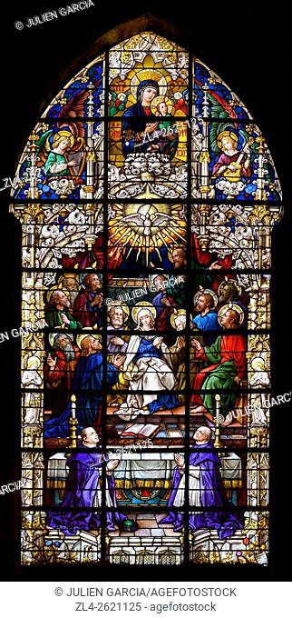 Spain, Andalusia (Andalucia), Seville (Sevilla), the cathedral listed as World Heritage by UNESCO, stained glass