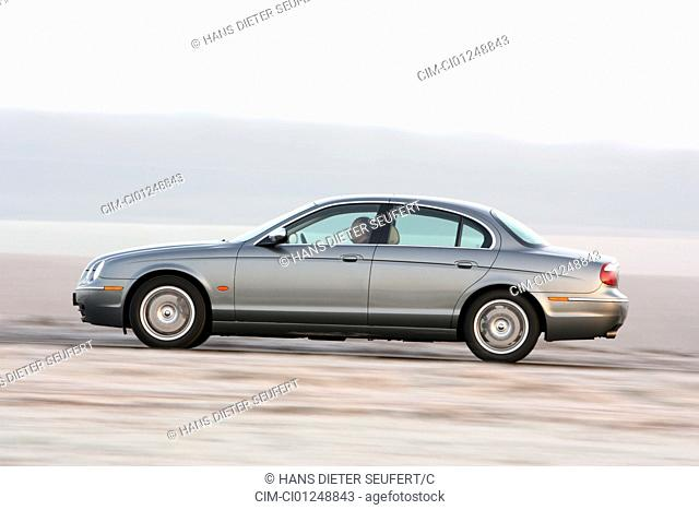 Jaguar S-Type 2.7 D, model year 2004-, silver/anthracite, driving, side view, country road