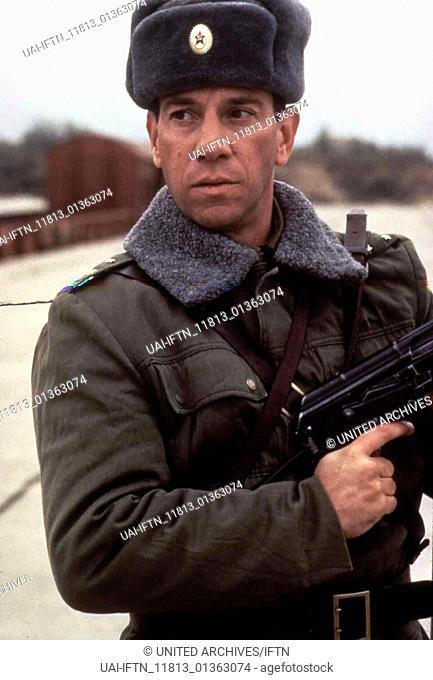 Royce, USA 1994 TV Movie, Director: Rod Holcomb, Actors/Stars: Jim Belushi, Miguel Ferrer, Peter Boyle