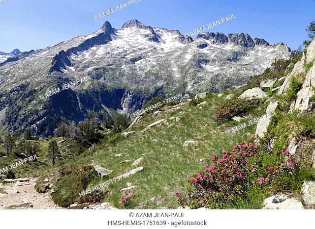 France, Hautes Pyrenees, Aragnouet, Neouvielle massif, Neouvielle peak