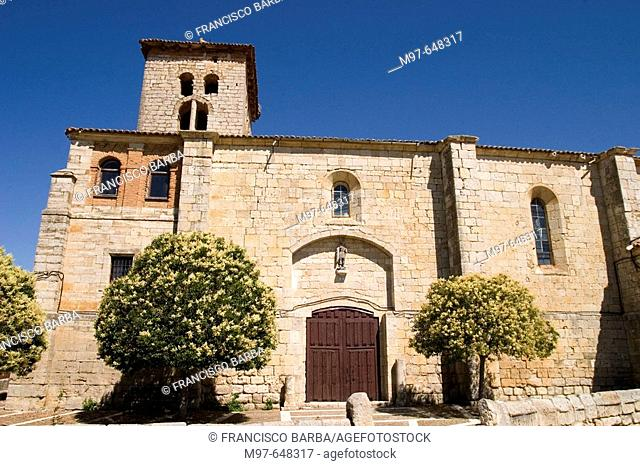 San Miguel church, provincial museum and parish (XVI-XVIIIth centuries). Piña de Campos, Palencia-province, Castilla León, Spain