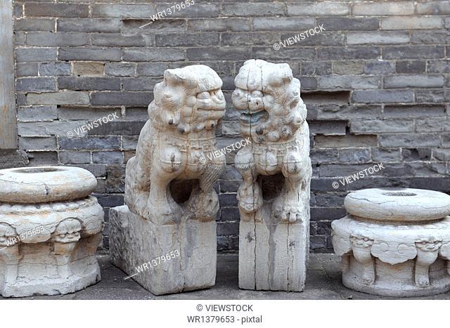 Jinzhong Wang Courtyard stone lion sculpture
