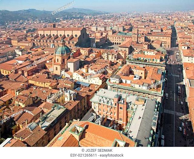 Bologna - Outlook from Torre Asinelli to Dom and Palazzo Comunale in morning