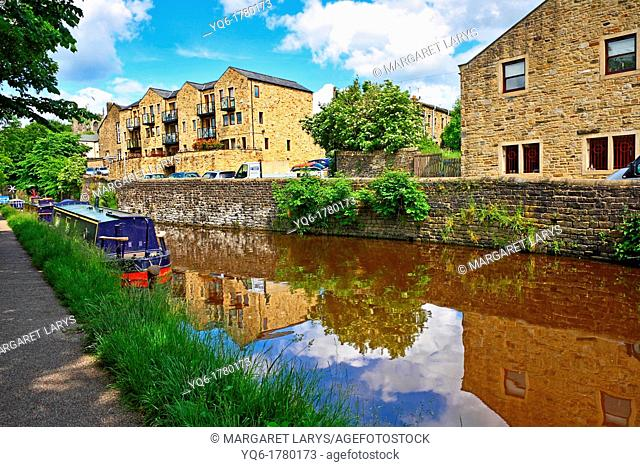 Skipton also known as Skipton-in-Craven is a market town and civil parish in the Craven district of North Yorkshire, England  It is located on the course of the...