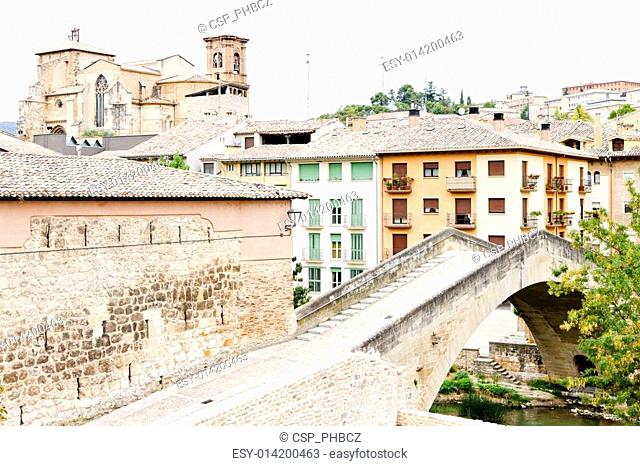 San Miguel church with bridge Puente de la Carcel, Estella, Road to Santiago de Compostela, Navarre, Spain