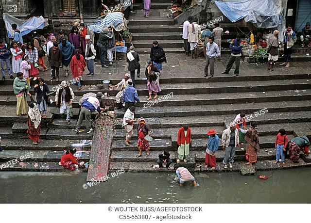 Nepal, Pashupatinath, Banks of Bagmati River, pilgrims