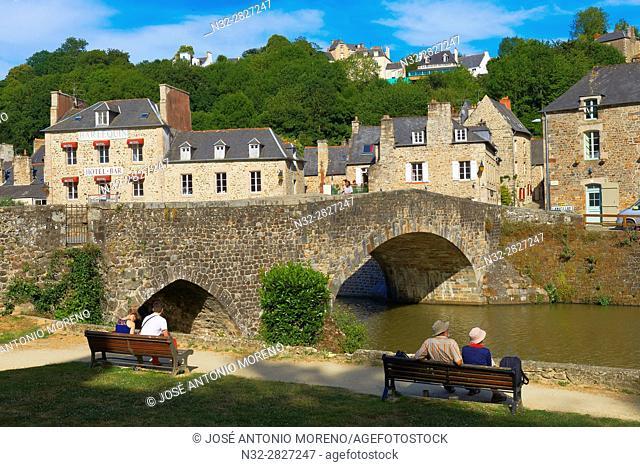 Dinan, River Rance, Harbour, Stone Bridge, Côtes d'Armor Department, Bretagne, Brittany, Chateulin distict, France
