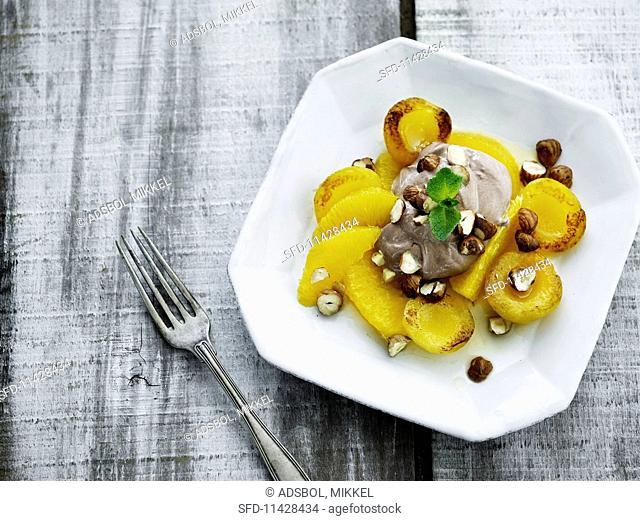 Gratinated fruit with hazelnuts and vanilla cream