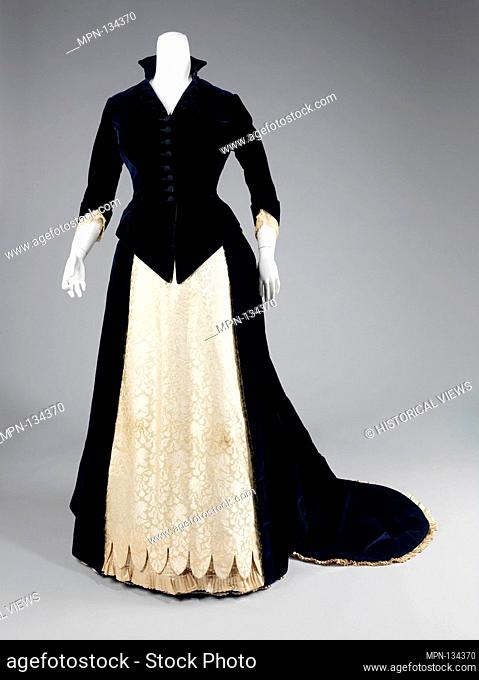 Evening dress. Department Store: Frederick Loeser & Company (American, founded 1860); Date: 1881; Culture: American; Medium: cotton