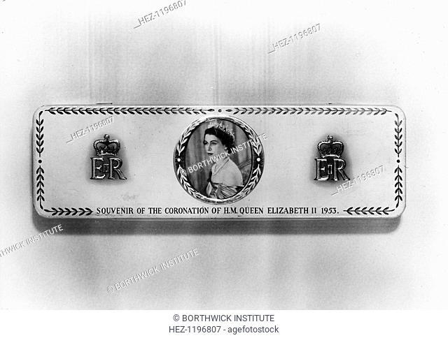 Commemorative tin, Coronation of Elizabeth II, 1953