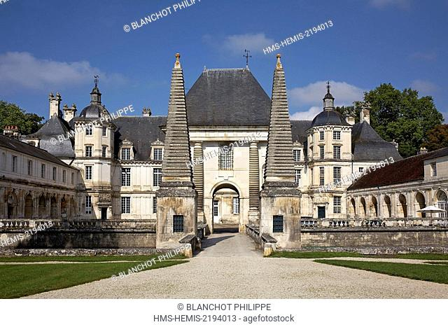 France, Bourgogne, Yonne, Chateau of Tanlay, The little Chateau