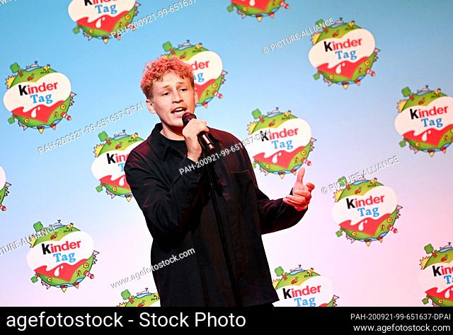 """20 September 2020, Berlin: Tim Bendzko will be on stage at the """"""""kinder Tag 2019"""""""" at Radialsystem V. On the occasion of World Children's Day"""
