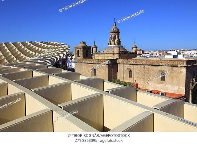 Spain, Andalusia, Seville, Metropol Parasol, Las Setas, Iglesia de la Anunciacion,