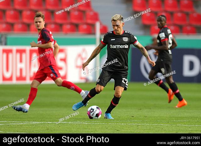 Leverkusen, Germany, 13.09.2020, DFB Pokal, matchday 1, Eintracht Norderstedt - Bayer 04 Leverkusen: Charles Aranguiz (Leverkusen)