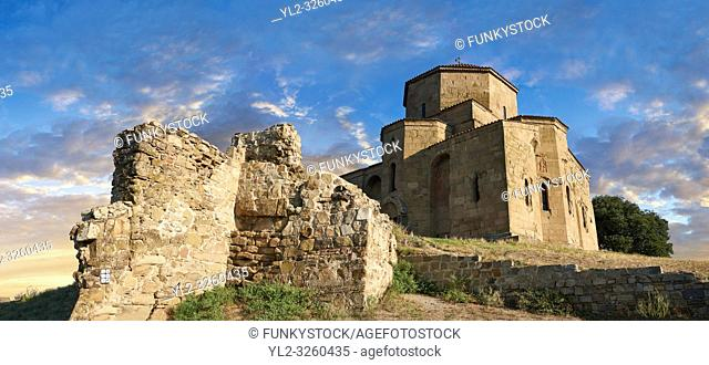 Pictures & images of Jvari Monastery, a 6th century Georgian Orthodox monastery near Mtskheta, eastern Georgia. A UNESCO World Heritage Site