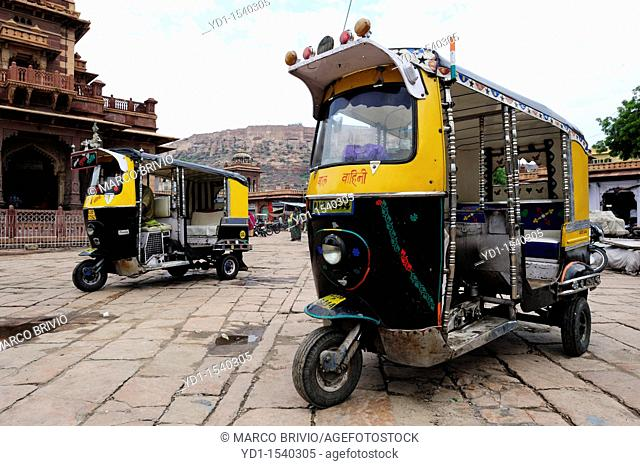 Typical tuc tuc auto rickshaw in Jodhpur bazaar, Rajasthan, India