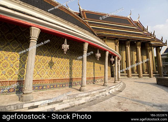 Wat Ratchabophit temple in Bangkok, Thailand