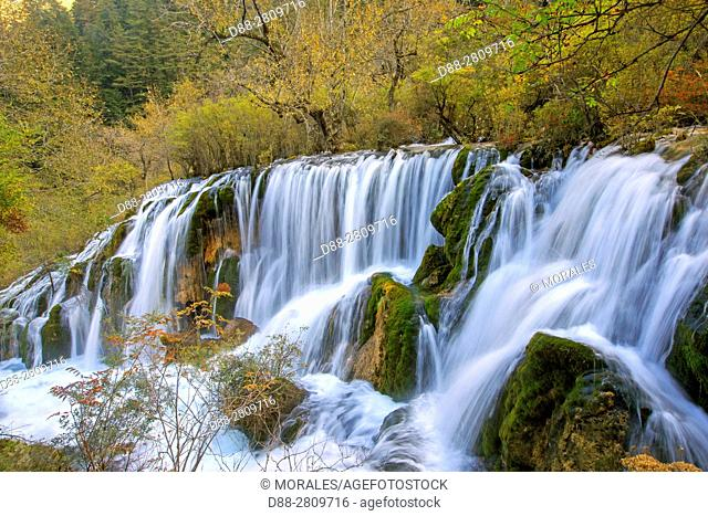 Asia, China, Sichuan province, UNESCO World Heritage Site, Jiuzhaigou National Park, Waterfall, Tiger Lake Falls