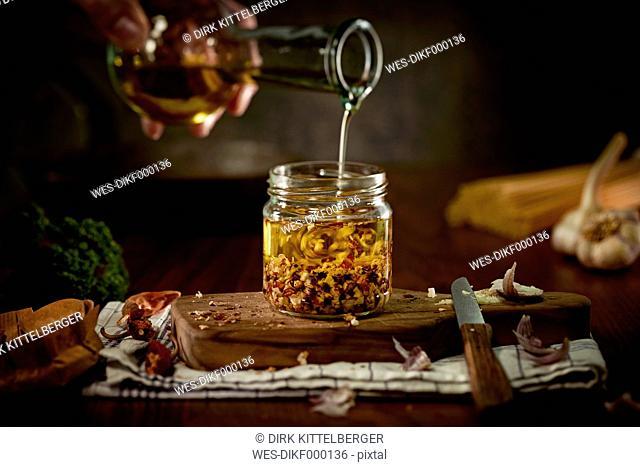 Preparing of Aglio Olio e peperoncini