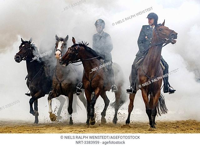 SCHEVENINGEN - Horses practice on Scheveningen beach for Prinsjesdag in the Hague. Prinsjesdag ('Prince's Day') represents the start of the new parliamentary...