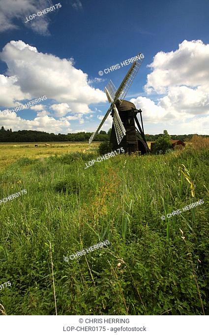 England, Suffolk, Herringfleet, Herringfleet Windmill on the Norfolk and Suffolk Broads