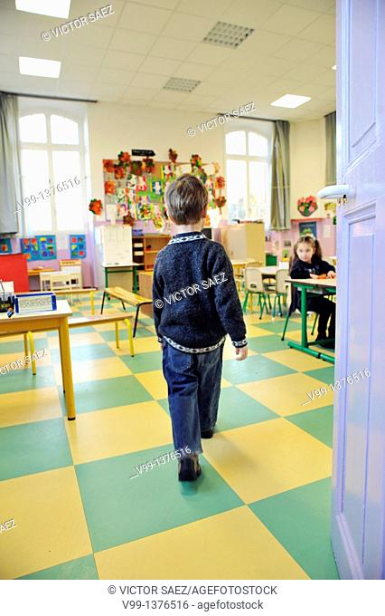 child who enters his school class