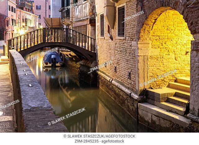 Dawn in the sestiere of San Polo, Venice, Italy