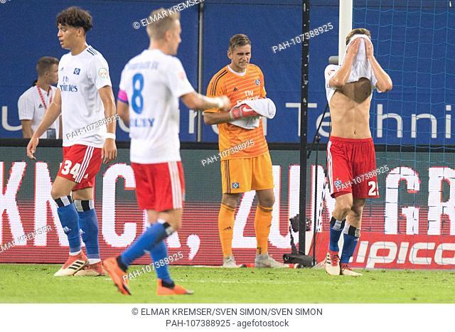From left to right: Jonas DAVID (HH), Lewis HOLTBY (HH), goalie Julian POLLERSBECK (HH), Matti STEINMANN (HH) are disappointed, disappointed, disappointed