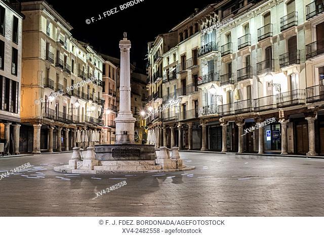 Plaza del Torico by night, Teruel, Aragon, Spain