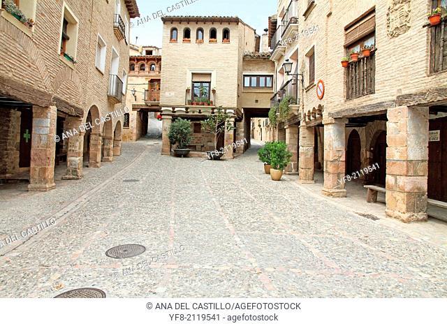 Alqu�zar village, Sierra de Guara, Huesca, Arag�n, Spain