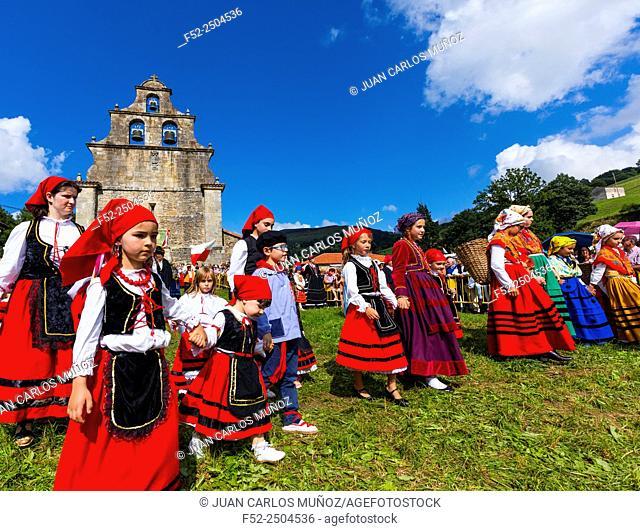 Romería Ntra. Sra. de Valvanuz, Selaya, Valles Pasiegos, Cantabria, Spain, Europe