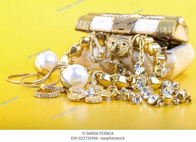 Gold Jewlery Concept
