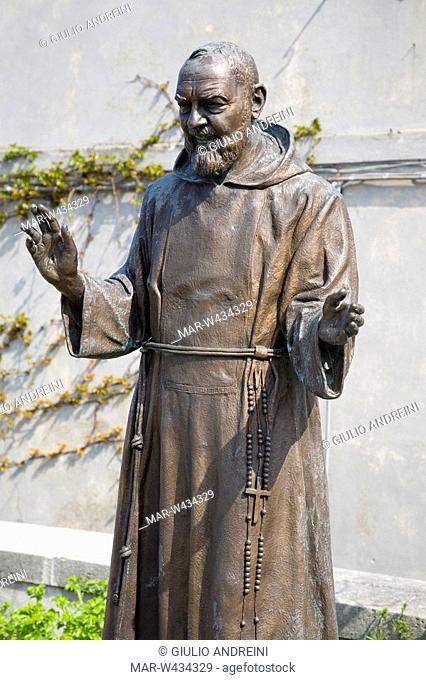 europe, italy, marche, loreto, statue to st padre pio