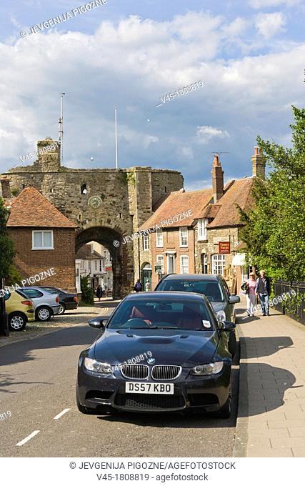 Land Gate, town wall, Hilder's Cliff, Rye, East Sussex, England, UK