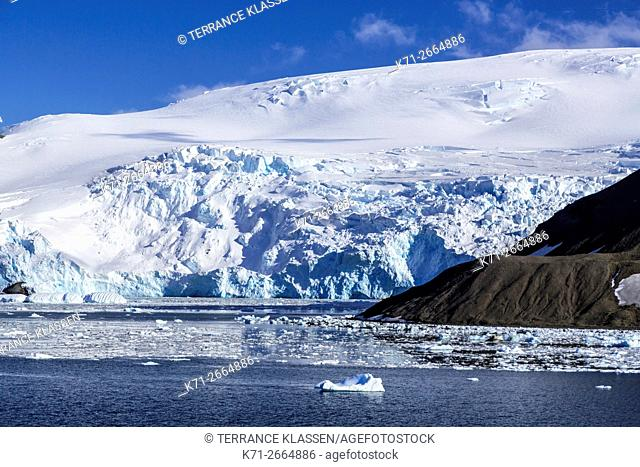 The icebergs and mountains of Admiralty Bay, King George Island, Antarctica
