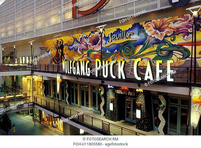 CO, Colorado, Denver, downtown, shopping district, 16th Street Mall, Wolfgang Pack Cafe, evening