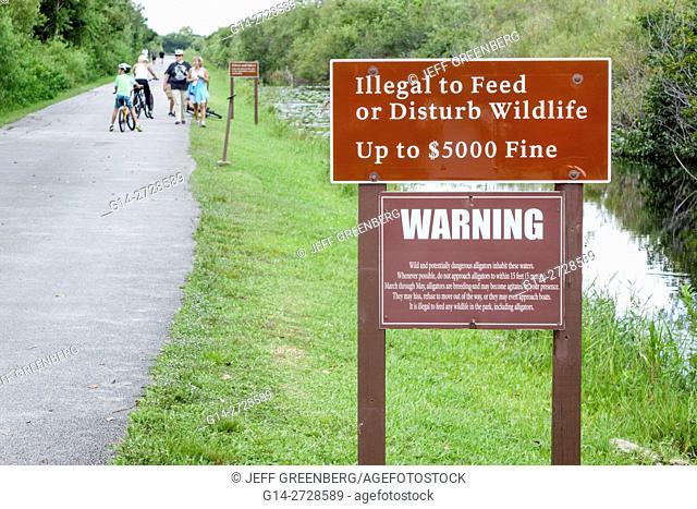 Florida, Tamiami Trail, Florida Everglades, Everglades National Park, Shark Valley, tropical wetland, environment, habitat, ecosystem, vegetation, water, canal