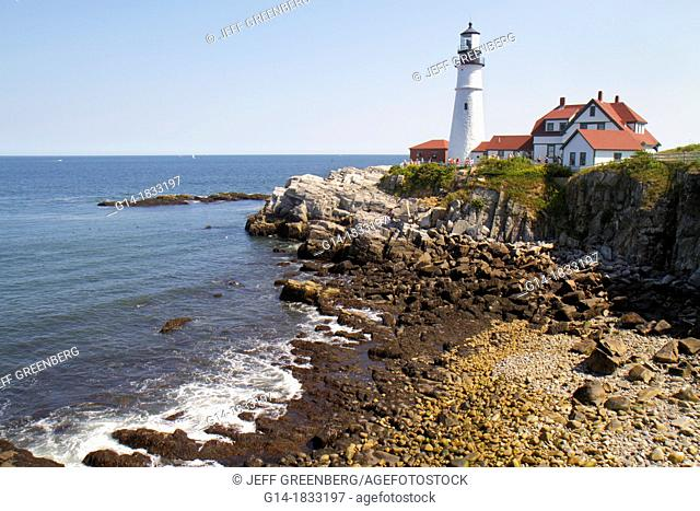 Maine, Portland, Cape Elizabeth, Portland Head Light, lighthouse, Keeper's Quarters, Fort Ft  Williams Park, Casco Bay, Atlantic Ocean, rocky coast, shoreline