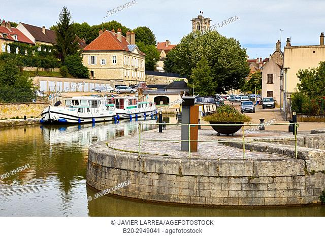 Halte nautique, Canal of Nivernais, Clamecy, Nievre, Bourgogne, Burgundy, France, Europe